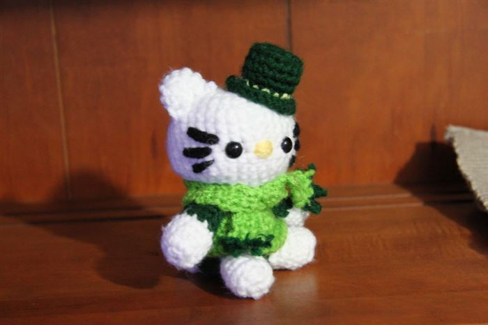 Beautiful Hello Kitty St. Patrick's Day Stuffed Animals