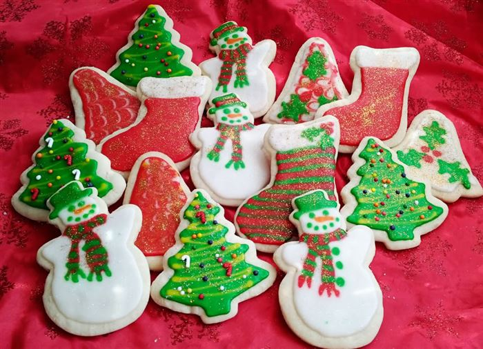 Easy Christmas Sugar Cookies With Pictures