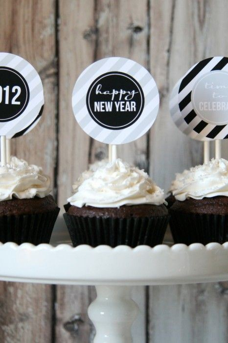 Unique Happy New Year Cupcake Decorations Ideas